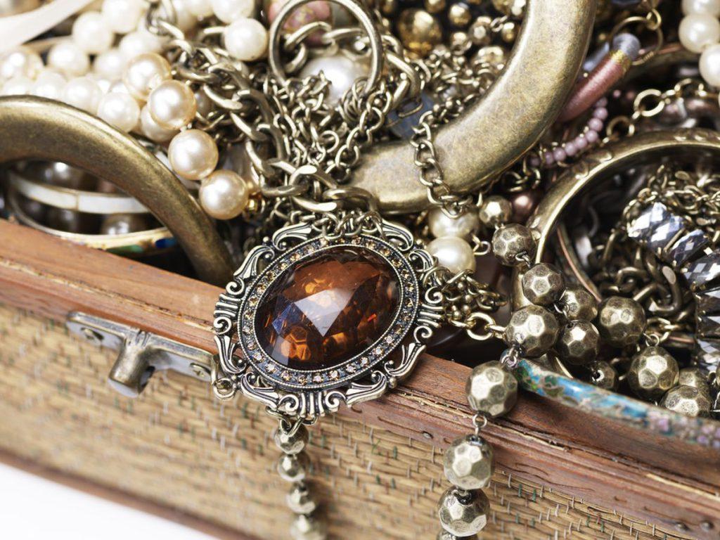 Tipuri de bijuterii si istoria lor