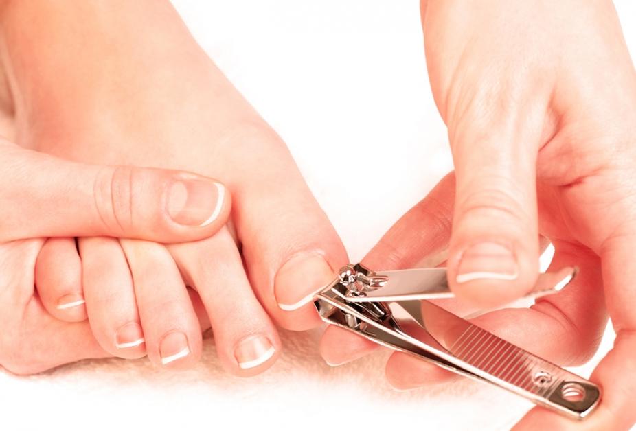 Cauzele care produc incarnarea unghiilor - o problema inca de actualitate